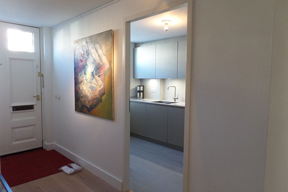short-stay-Den-Haag-canal-appartement